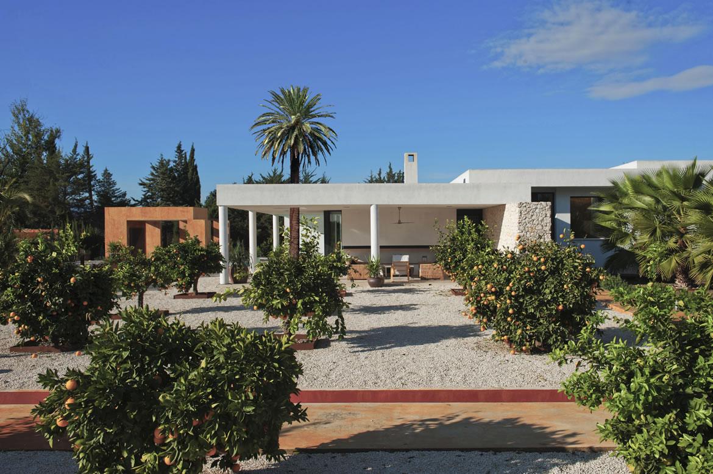 Sta Catalina 8680R Arquitectura. Vivienda mediterránea entre naranjos