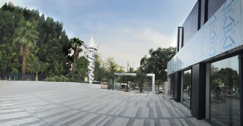 IMG 44262B F1 Escultura Antorcha Hotel