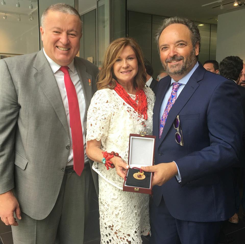 19060064 1187907274652545 2269771014047915849 n Gran acogida en Prensa de la Medallas de Oro de la Región de Murcia entregada a MUHER